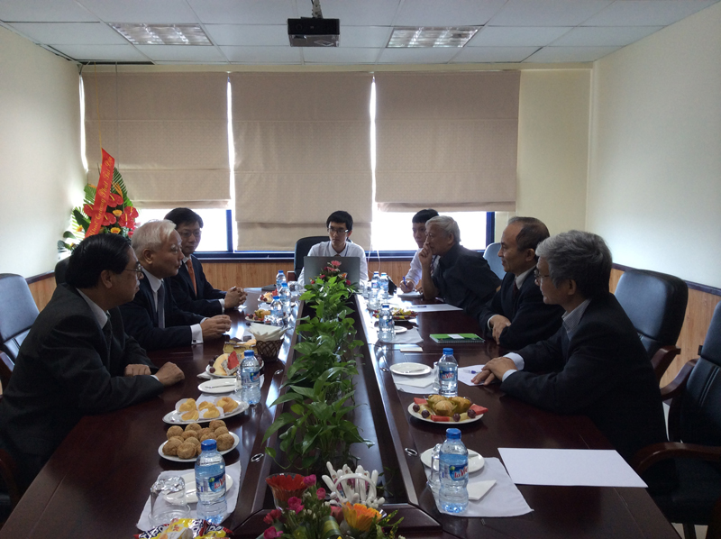 Ambassador Cho Won-il - former South Korean Ambassador to Viet Nam paid a working visit to CSSD